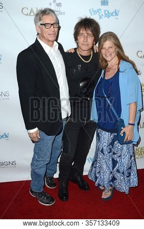 LOS ANGELES - NOV 8:  Eric Roberts, Billy Morrison, Eliza Roberts at the Pop-Up Art Show by Billy Morrison and Steve Stevens at the Ken Paves Salon on November 8, 2019 in West Hollywood, CA