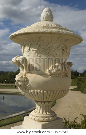 Urn Statue