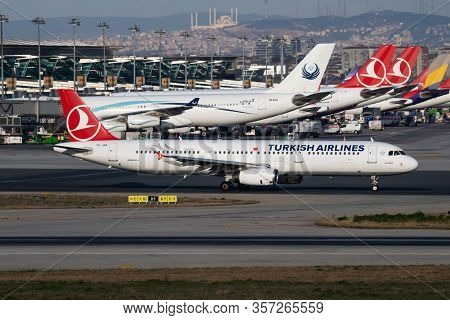 Istanbul / Turkey - March 28, 2019: Turkish Airlines Airbus A321 Tc-jrk Passenger Plane Departure At