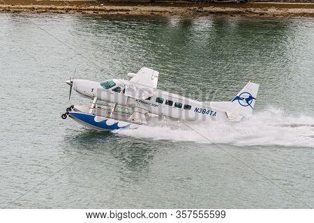 Miami, Fl, United States - April 20, 2019: The Seaplane Cessna Cessna 208b Grand Caravan Landing In