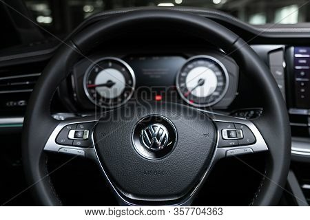Volkswagen Touareg -  Car Interior - Dashboard, Player, Steering Wheel With Logo And Buttons, Speedo