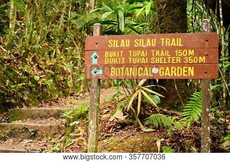 Sabah, My - June 18: Mount Kinabalu Botanical Garden Directional Signage On June 18, 2016 In Sabah,