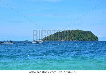 Sabah, My - June 20: Mamutik Island On June 20, 2016 In Sabah, Malaysia.
