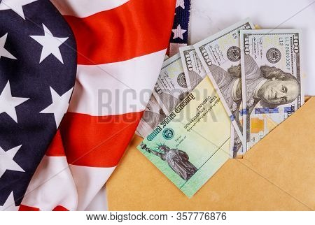 Congressional Lawmakers Are Putting The Finishing Touches On A Stimulus Bill Us 100 Dollar Bills Cur