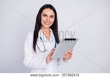 Photo Of Beautiful Cheerful Professional Doc Lady Listen Patient Notice Digital Contract Insurance E