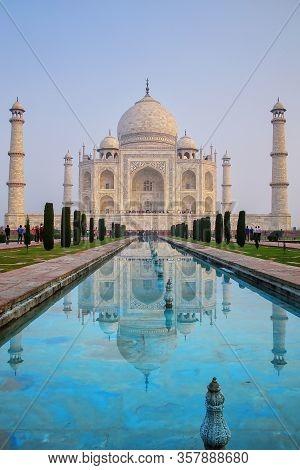 Taj Mahal With Reflecting Pool In Agra, Uttar Pradesh, India. It Was Build In 1632 By Emperor Shah J