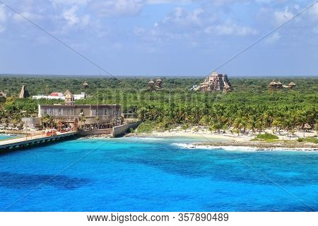 Cruise Ship Terminal In Mahahual Village, Costa Maya, Mexico. Mahahual Is Now A Rapidly Developing T