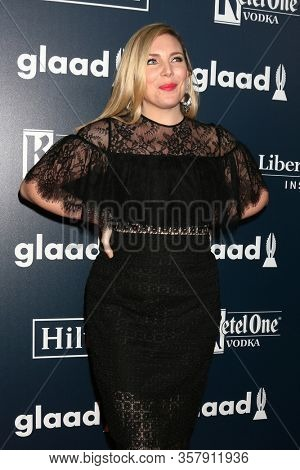LOS ANGELES - APR 1:  June Diane Raphael at the 28th Annual GLAAD Media Awards at Beverly Hilton Hotel on April 1, 2017 in Beverly Hills, CA