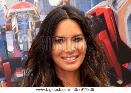 LOS ANGELES - SEP 14:  Olivia Munn at the