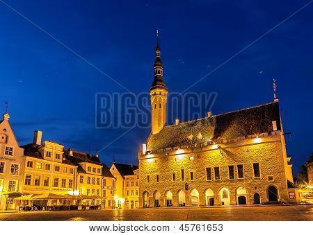 townhall square tallinn night shot