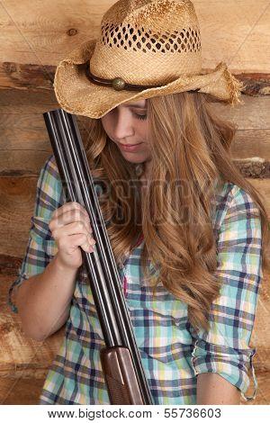 Cowgirl Shotgun Close Look Down