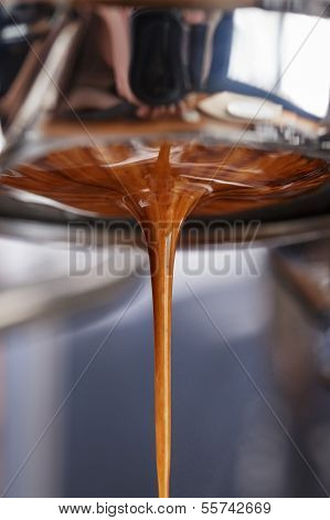 Espresso Extraction With Bottomless Portafilter
