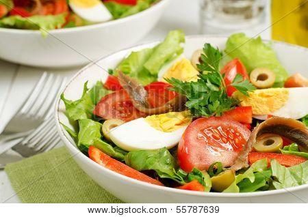 Salad Nicoise With Tomatoes