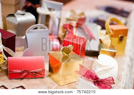 Assorted Colorful Gift Box With Ribbon