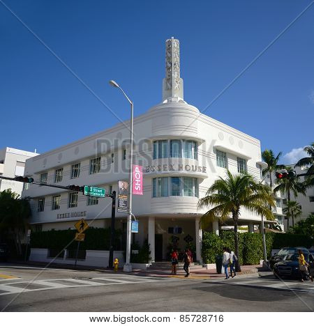 Art Deco Style Essex House in Miami Beach
