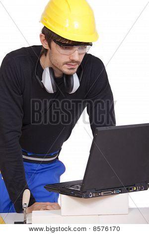 Bouwvakker met Laptop