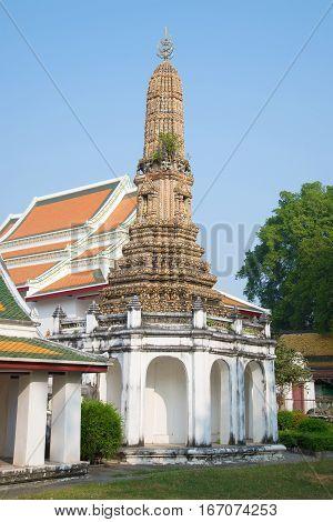 Old prang of Wat Thepthidaram Worawihan Sunny day. Bangkok, Thailand
