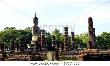 Historical Park Wat Mahathat Temple Bhudda Statue