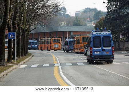 Vicenza, Vi, Italy - January 28, 2017: Armed Escort Of The Italian Police During The Transfer Of Foo