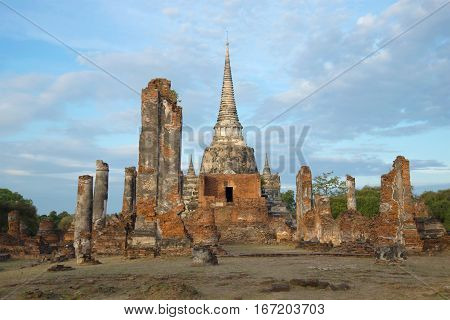 The ruins of the Buddhist temple of Wat Phra Si Sanphet in the early morning. Ayuthaya, Thailand