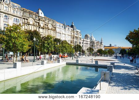 An Artificial Reservoir On The Avenue Of The Allies (avenida Dos Aliados) In Porto, Portugal.