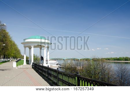 Arbour or rotunda on the Volga embankment - is one of the symbols of Yaroslavl. Russia