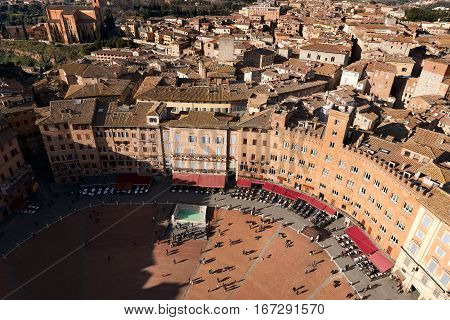 Aerial view of the ancient town of Siena from the Torre del Mangia (Tower of Mangia). Toscana (Tuscany) Italy