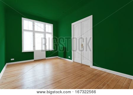green empty room - apartment after renovation