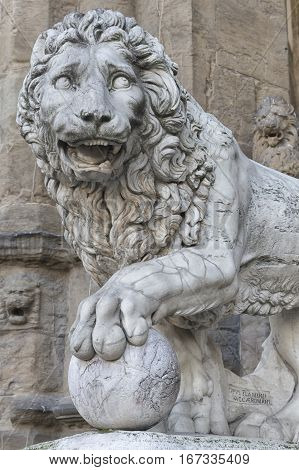 A sculpture of lion by