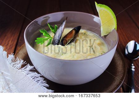 egetable cream soup with mussels,parsley and lime
