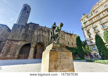 Barcelona, Spain - November 24, 2016: Ramon Berenguer III Count of Barcelona / Statue of Ramon Berenguer III (1086-1131) in the homonymous square. In the background the Chapel of St. Agata. Barcelona Catalonia Spain