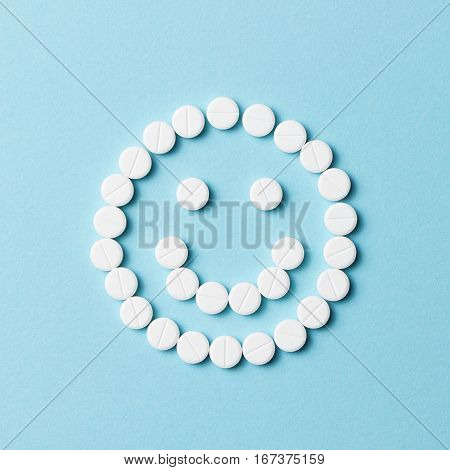 Smiling Face With White Pills