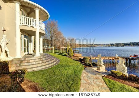 Luxurious Waterfront Home Backyard View