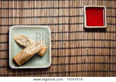 Eggroll and sauce