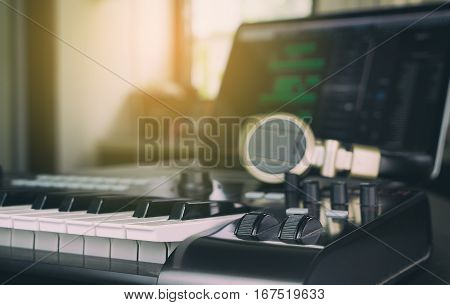 Music Keyboard controller for Computer Music producer