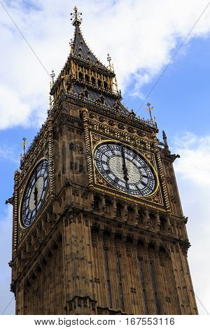 LONDON, GREAT BRITAIN - MAY 9, 2014: This is clock Big Ben at the top of clock tower the British Parliament that represent the image London.