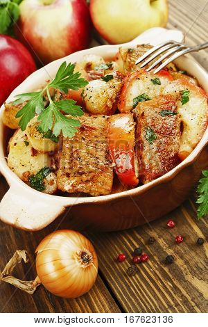 Pork With Apples