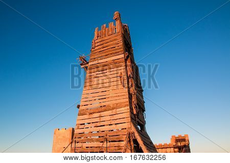 Wooden belfry or siege tower was used to attack the castle