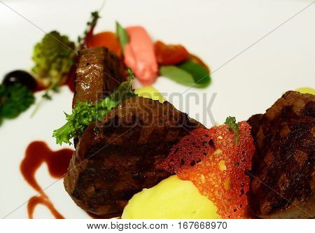 Beef Mignon With Mashed Potato