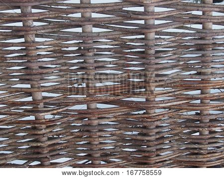 Wattled obstacle from natural flexible willow rods