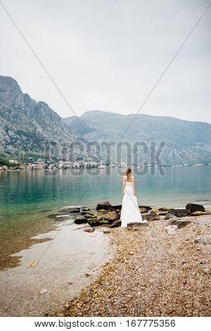 Honeymoon Bride Travel Sea Side