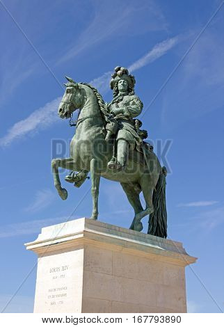 Statue of Louis XIV, parvis of the castle of Versailles (Versailles, France)