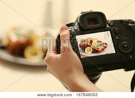 Photo of food on camera display while shooting