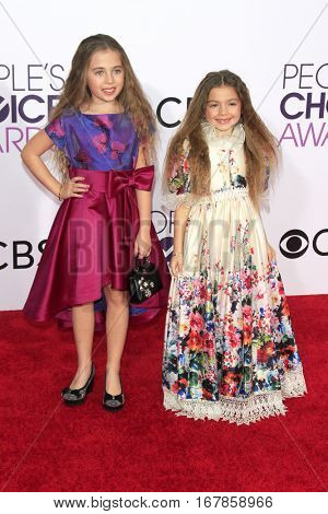 LOS ANGELES - JAN 18:  Sofia Jellen, Olivia Jellen at the People's Choice Awards 2017 at Microsoft Theater on January 18, 2017 in Los Angeles, CA