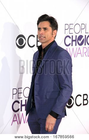 LOS ANGELES - JAN 18:  John Stamos at the People's Choice Awards 2017 at Microsoft Theater on January 18, 2017 in Los Angeles, CA