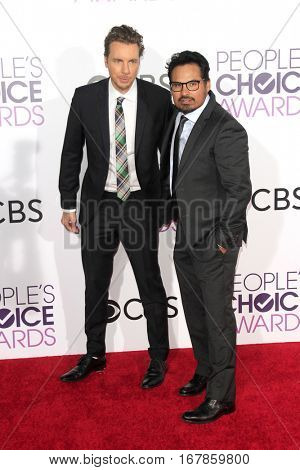 LOS ANGELES - JAN 18:  Tom Hanks, Michael Pena at the People's Choice Awards 2017 at Microsoft Theater on January 18, 2017 in Los Angeles, CA