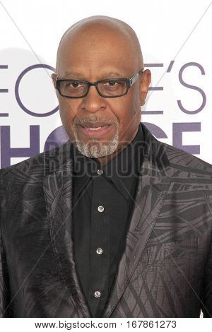 LOS ANGELES - JAN 18:  James Pickens Jr at the People's Choice Awards 2017 at Microsoft Theater on January 18, 2017 in Los Angeles, CA