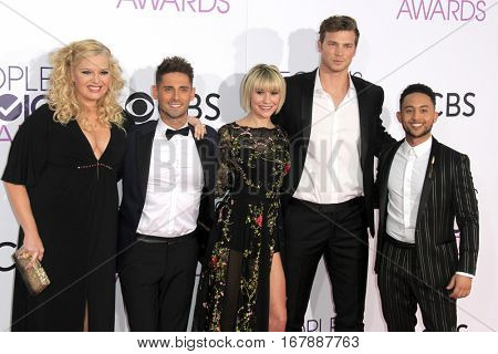 LOS ANGELES - JAN 18:  Melissa Peterman, Jean-Luc Bilodeau, Chelsea Kane, Derek Theler, Tahj Mowry at the People's Choice Awards 2017 at Microsoft Theater on January 18, 2017 in Los Angeles, CA