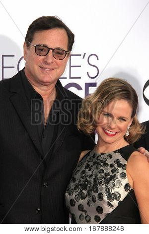 LOS ANGELES - JAN 18:  Bob Saget, Andrea Barber at the People's Choice Awards 2017 at Microsoft Theater on January 18, 2017 in Los Angeles, CA