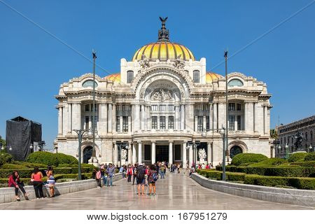 MEXICO CITY,MEXICO - DECEMBER 28,2016 : The Palacio de Bellas Artes or Palace of Fine Arts, a famous concert venue, museum and theater in Mexico City